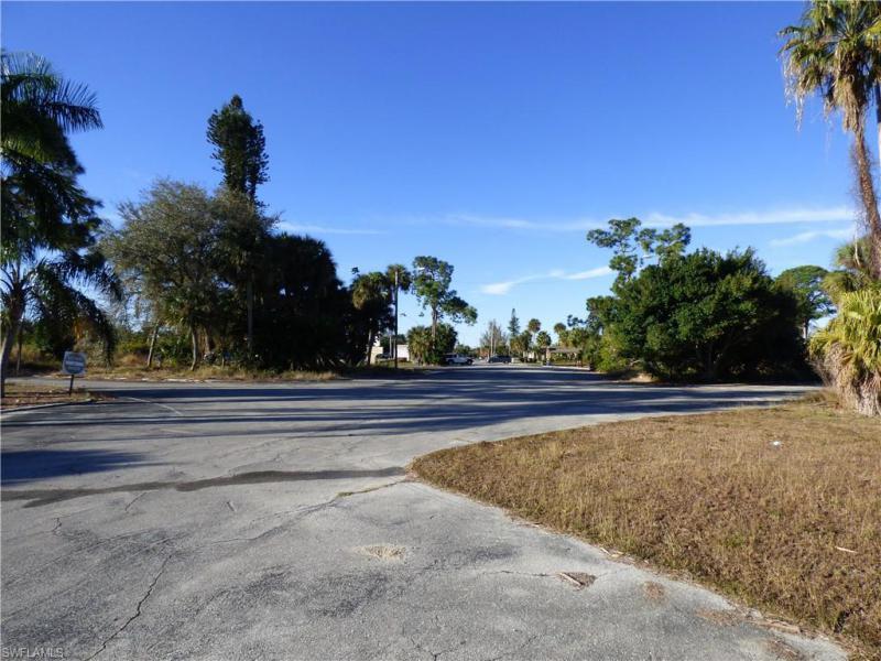 225 Joel Boulevard, Lehigh Acres, Fl 33936