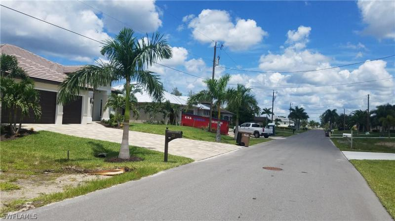 16 Nw 38th Place, Cape Coral, Fl 33993
