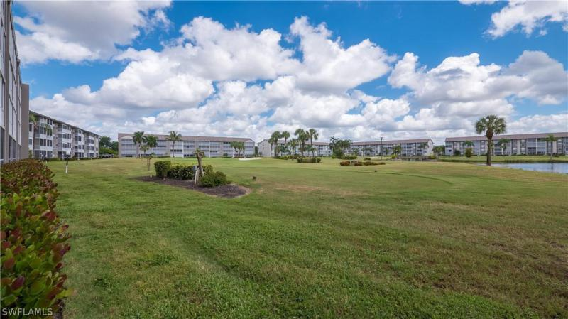 For Sale in GOLFVIEW GOLF & RACQUET CLUB FORT MYERS FL