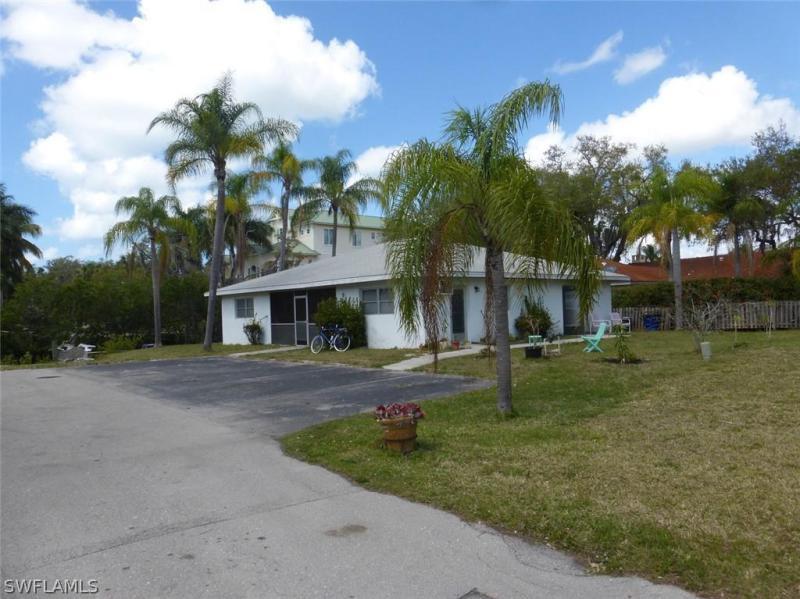 27581 2758 Imperial Shores Boulevard, Bonita Springs, Fl 34134