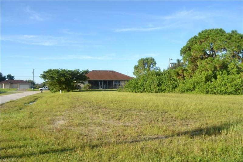 2700 Nw 4th Terrace, Cape Coral, Fl 33993