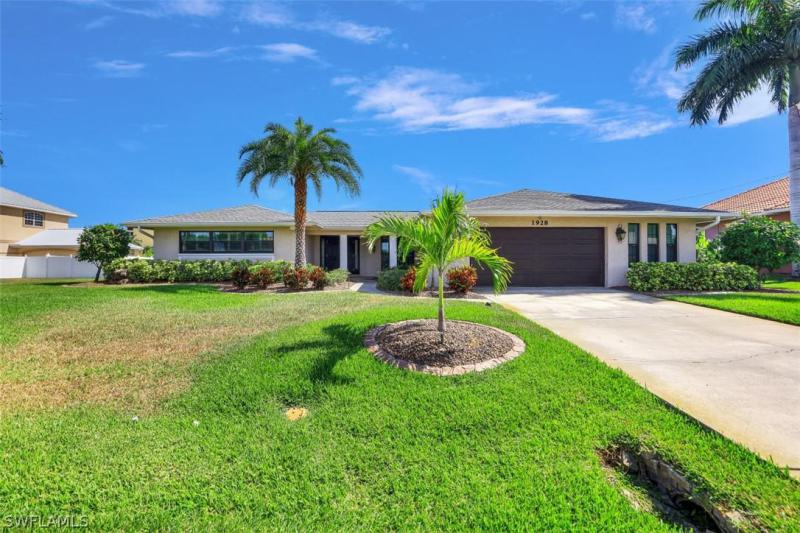1928 Se 40th Street, Cape Coral, Fl 33904