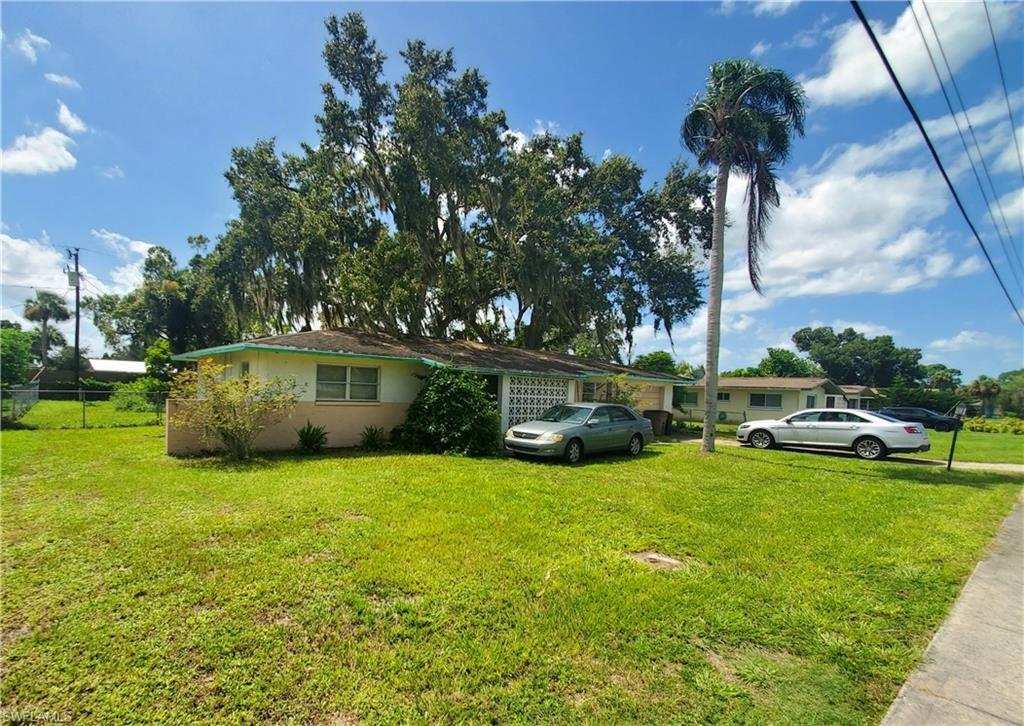 For Sale in WILLOW LAKE LEHIGH ACRES FL