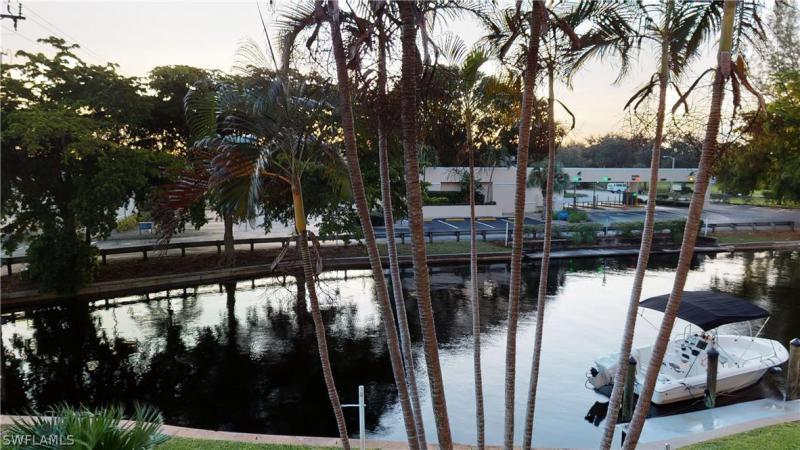 4803 Sunset Court #104, Cape Coral, Fl 33904