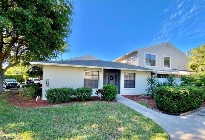 For Sale in COURTYARDS OF CAPE CORAL SOUTH CAPE CORAL FL
