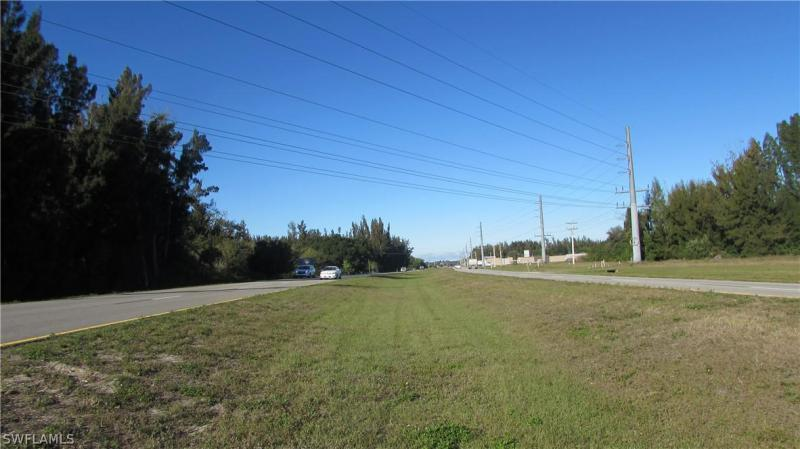 830 Ridge Road, Cape Coral, Fl 33991