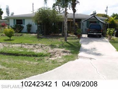 For Sale in COUNTRY ESTATES FORT MYERS FL