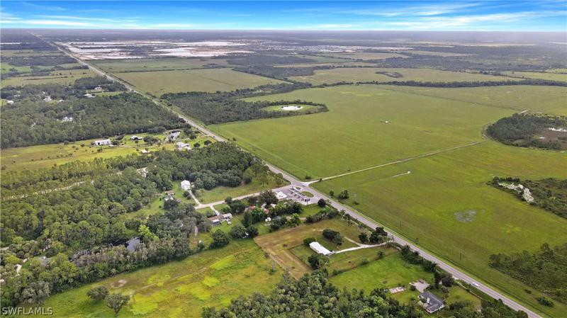 19381 State Road 31 , North Fort Myers, Fl 33917