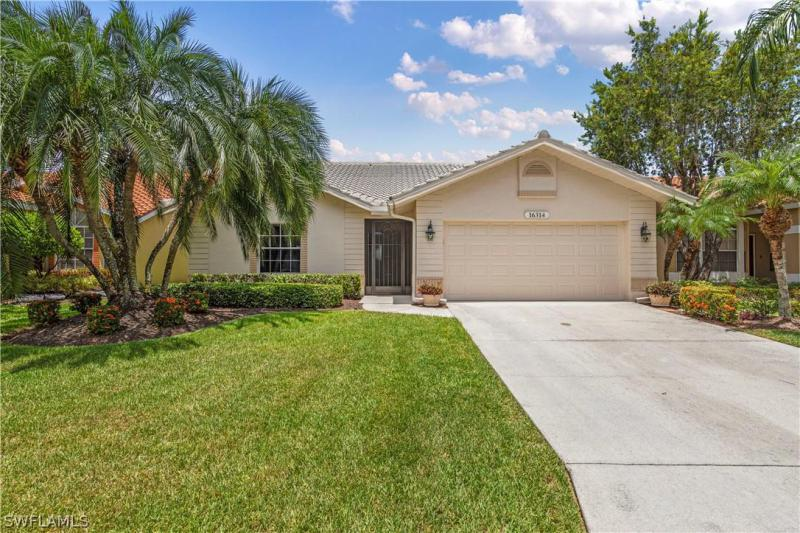 For Sale in KELLY GREENS FORT MYERS FL