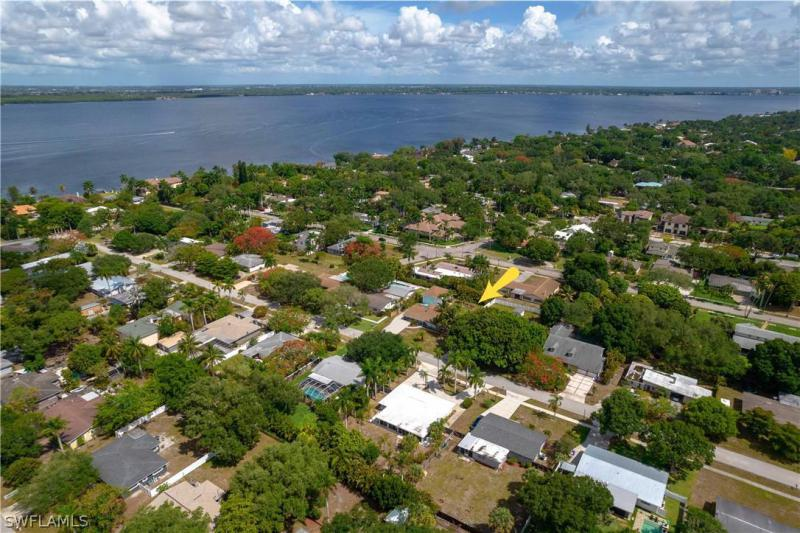 For Sale in LA CHELLE MANOR FORT MYERS FL