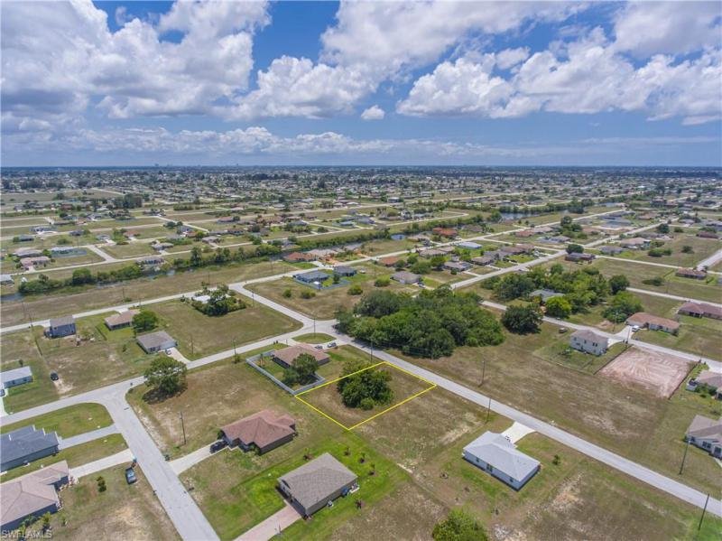 1007 Nw 22nd Terrace, Cape Coral, Fl 33993
