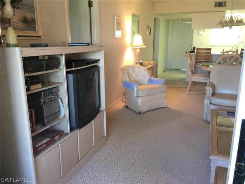 8140 Summerlin Village Circle #304, Fort Myers, Fl 33919