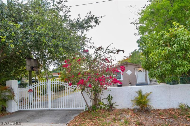 For Sale in WILMER HEIGHTS NAPLES FL
