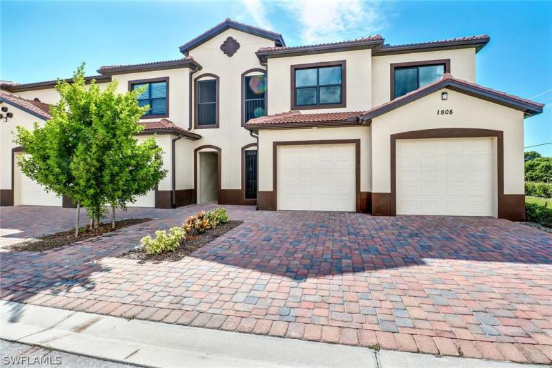 For Sale in 1818 PARKWAY CONDOMINIUMS CAPE CORAL FL