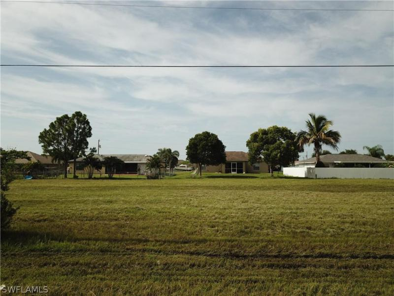 210 Nw 14th Terrace, Cape Coral, Fl 33993