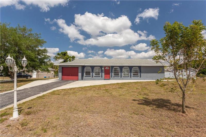 For Sale in CARLTON PARK LEHIGH ACRES FL