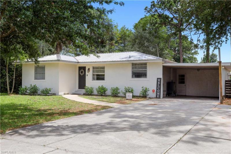 For Sale in PALMLEE PARK FORT MYERS FL