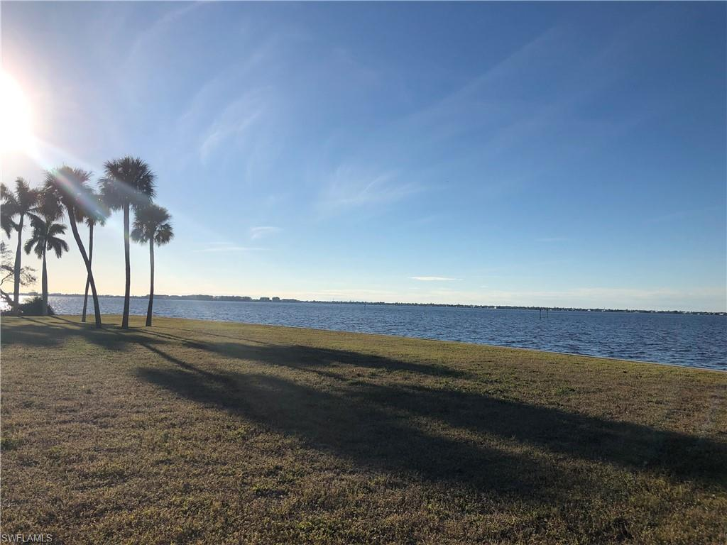 900 Robalo Drive, Fort Myers, Fl 33919