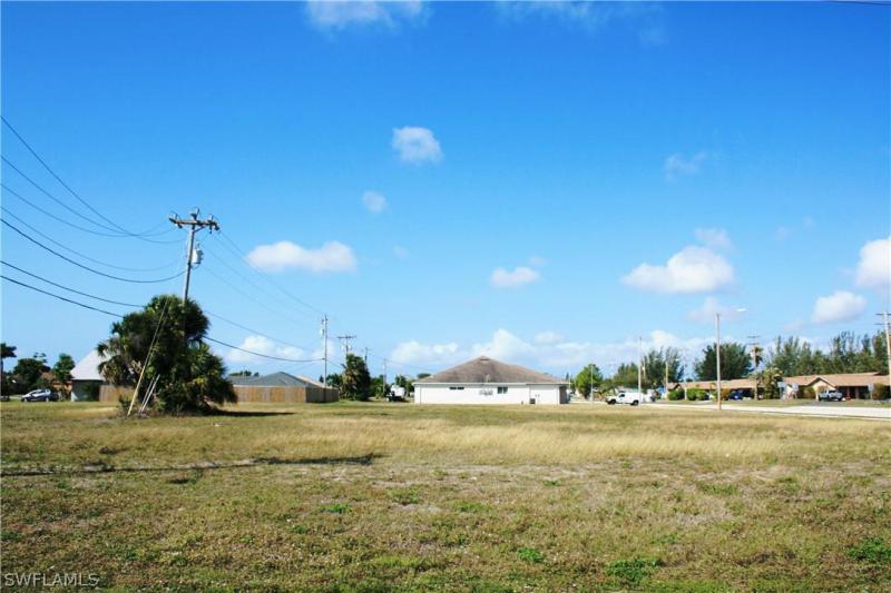 804 Gleason Parkway, Cape Coral, Fl 33914