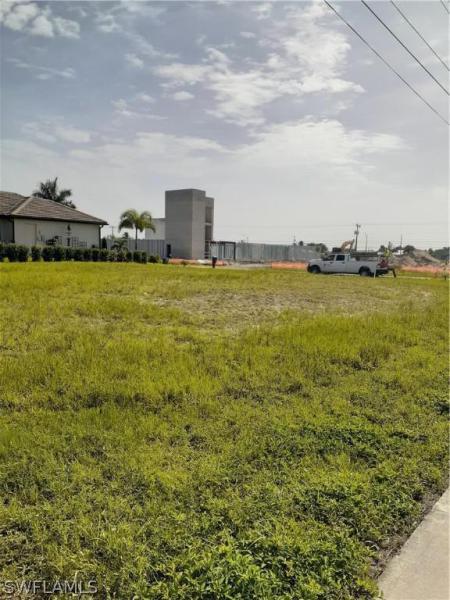 4212 Sw 16th Place, Cape Coral, Fl 33914