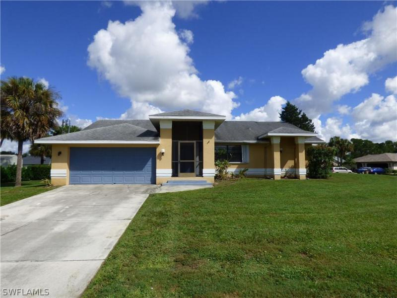 For Sale in COUNTRY CLUB ESTATES LEHIGH ACRES FL