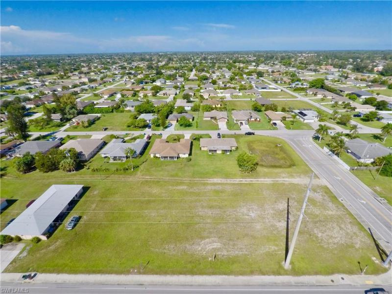 2932 Santa Barbara Boulevard, Cape Coral, Fl 33914