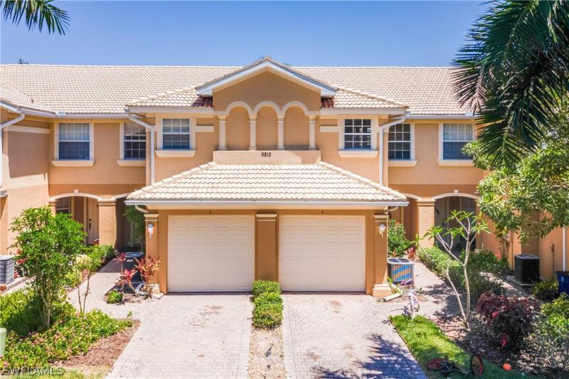 For Sale in HEATHERSTONE ESTERO FL