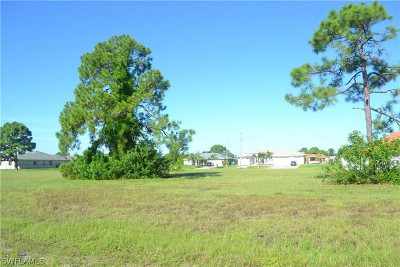 2626 Nw 24th Place, Cape Coral, Fl 33993