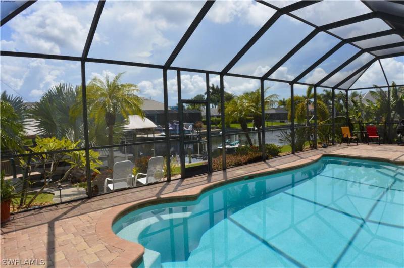 4613 Sw 17th Place, Cape Coral, Fl 33914