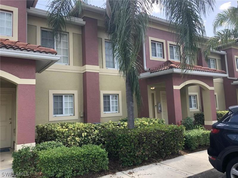 For Sale in TOWNHOMES AT STONEYBROOK FORT MYERS FL
