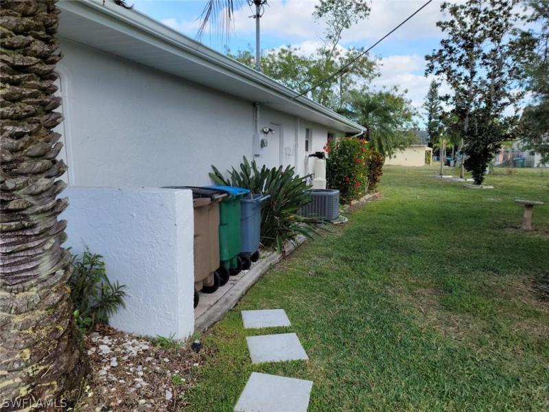 305 Se 17th Avenue, Cape Coral, Fl 33990