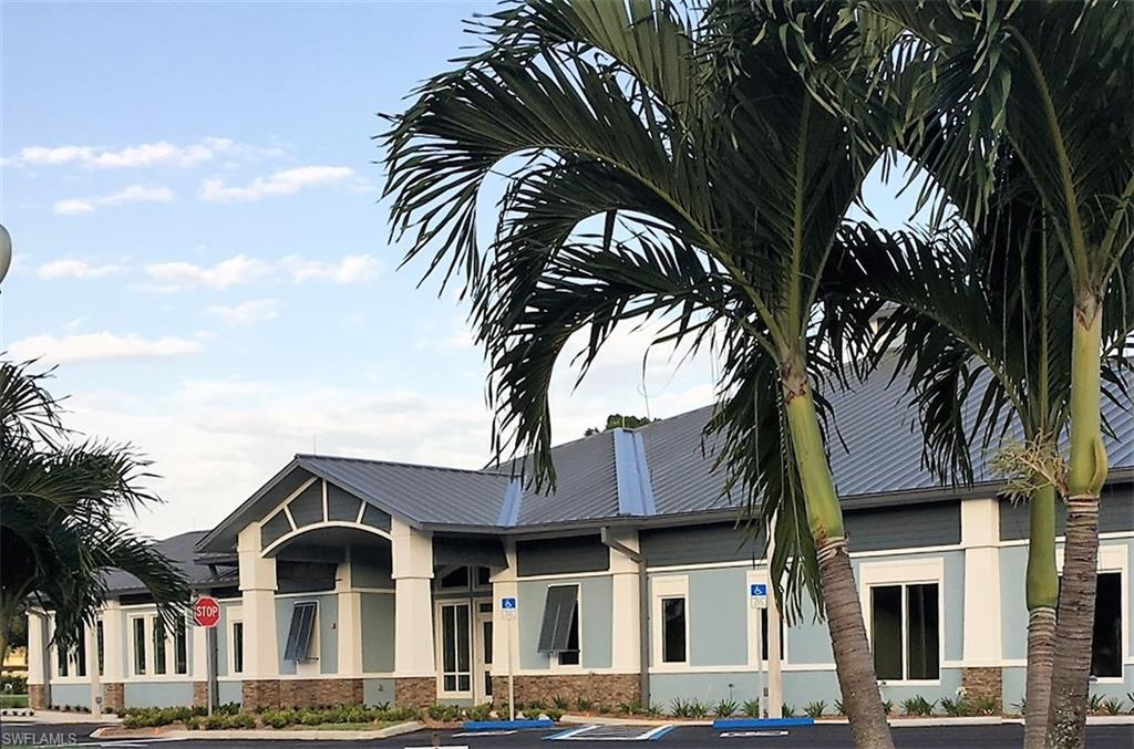 5730 Trailwinds Drive #425, Fort Myers, Fl 33907