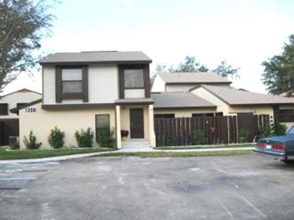 For Sale in COURTYARDS OF CAPE CORAL NORTH CAPE CORAL FL