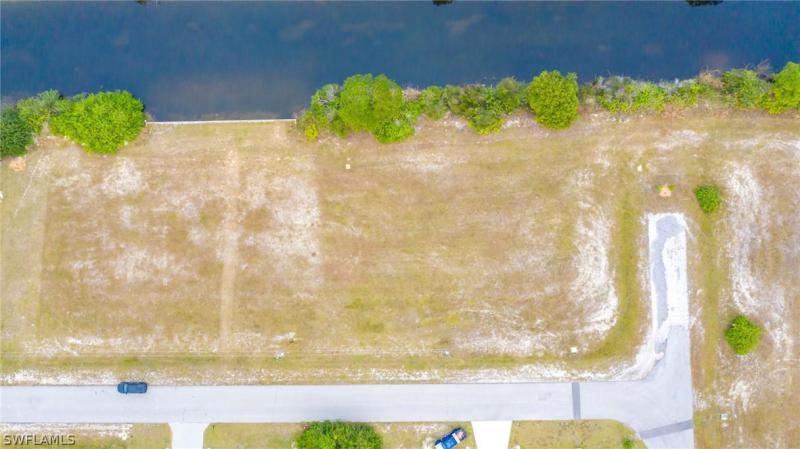 911 Nw 24th Terrace, Cape Coral, Fl 33993