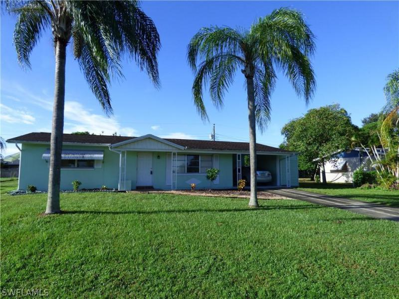 For Sale in WEDGEWOOD LEHIGH ACRES FL