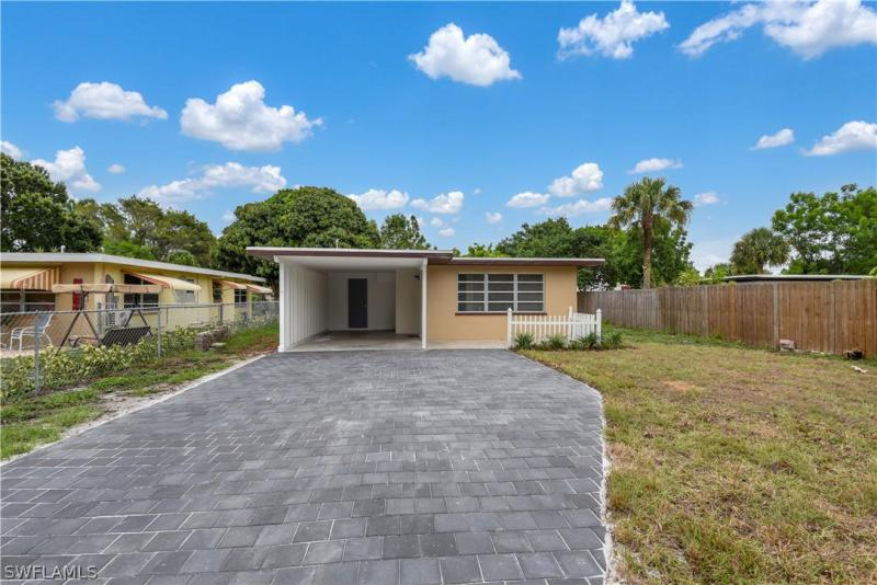 For Sale in RUSSELL PARK FORT MYERS FL