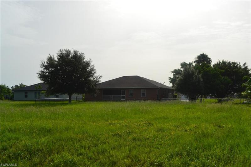 129 Nw 27th Place, Cape Coral, Fl 33993