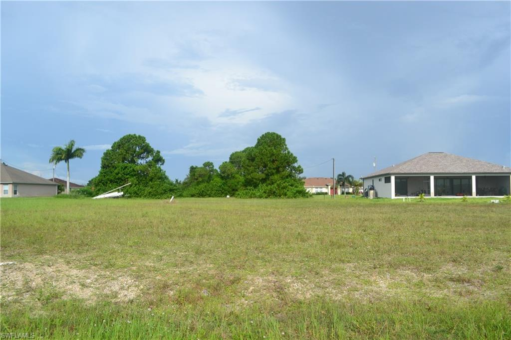 2202 Nw 17th Place, Cape Coral, Fl 33993
