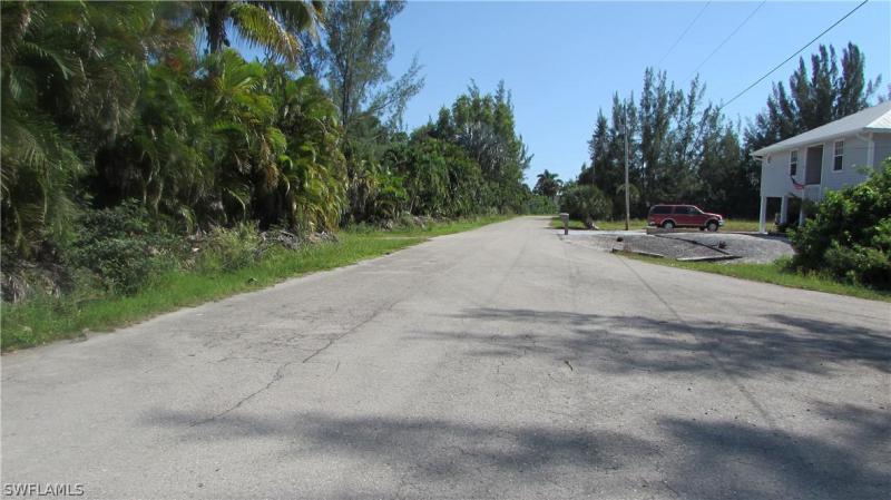 1002 Bullwinkle Road, Bokeelia, Fl 33922