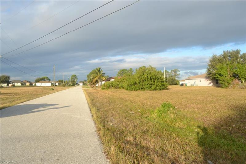 302 Nw 16th Place, Cape Coral, Fl 33993