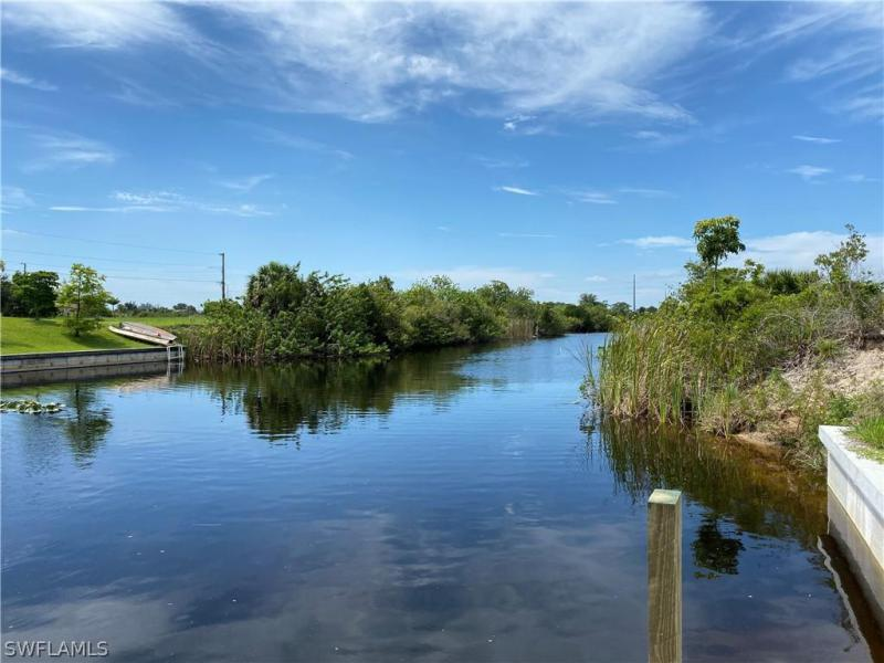 925 Nw 12th Place, Cape Coral, Fl 33993