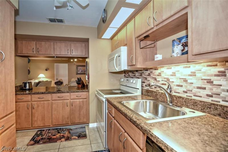 For Sale in SUMMERLIN WOODS FORT MYERS FL