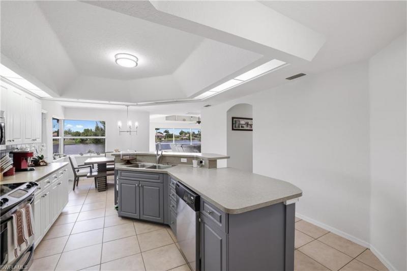 501 Sw 28th Terrace, Cape Coral, Fl 33914