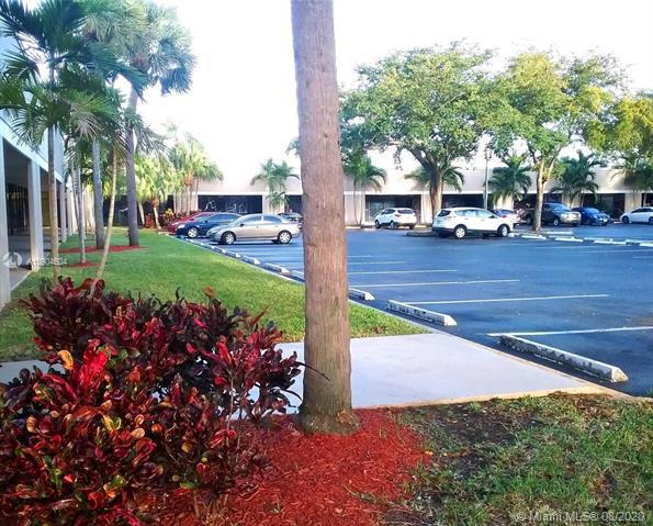 Commercial real estate in Lauderdale Lakes