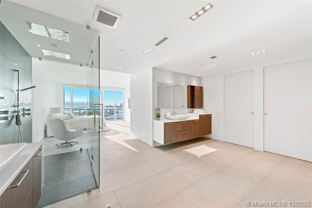 Photos for unit 2801/02 at CONTINUUM ON SOUTH BEACH