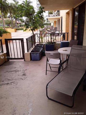 Photos for unit 304 at WINSTON TOWERS 700 CONDO