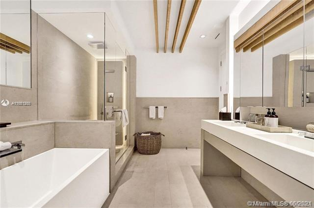 Photos for unit PH-1618 at 1 Hotel & Homes