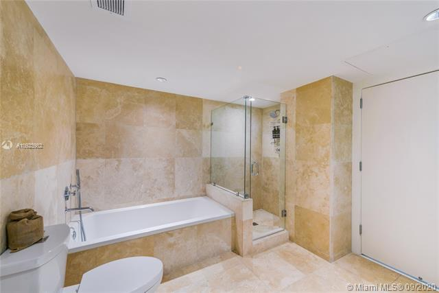 Photos for unit 1544 at 1 Hotel & Homes