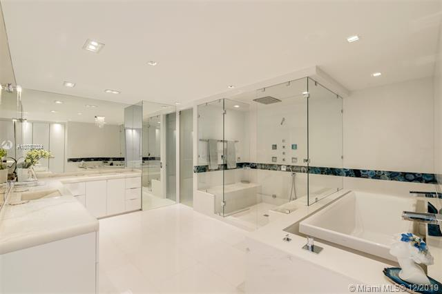 Photos for unit 3804/5 at CONTINUUM ON SOUTH BEACH