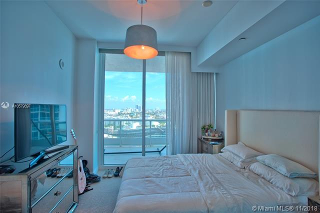 Photos for unit 1610 at Continuum South